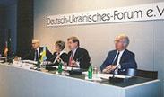 Präsidium der ersten ordentlichen Mitgliederversammlung des Deutsch-Ukrainischen Forums am 15.12.1999 in Berlin